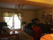 FX8404196 - Living Room